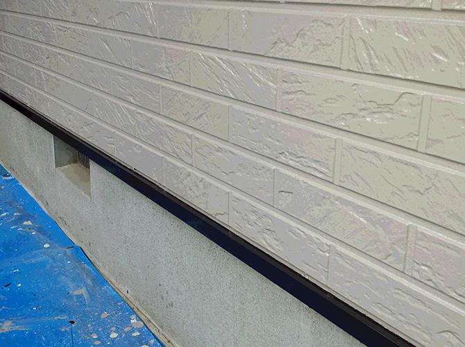 水切りの塗装完了後のようすです。