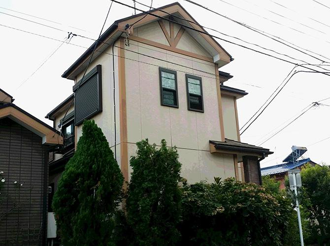 外壁塗装・屋根塗装の施工完了前のようすです。