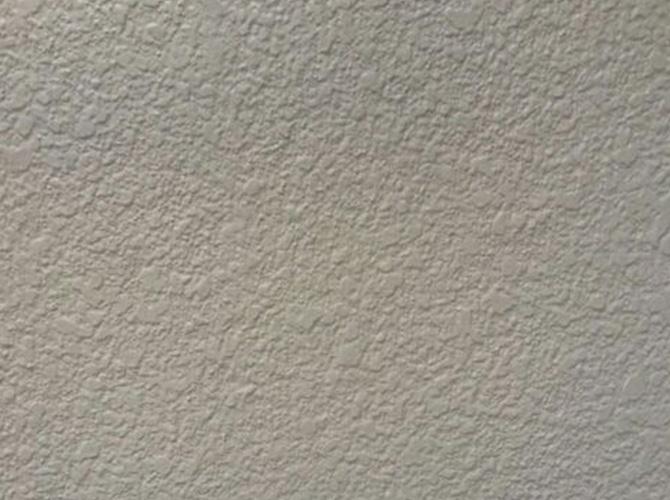 外壁塗装の上塗り施工完了後の状態です。