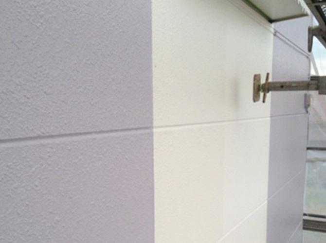 下塗り・中塗り・上塗りの3回塗りが基本です。