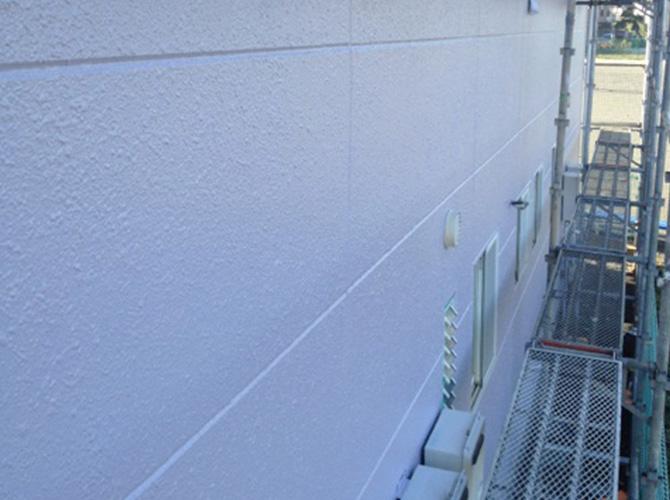 外壁塗装の上塗り塗装後のようすです。