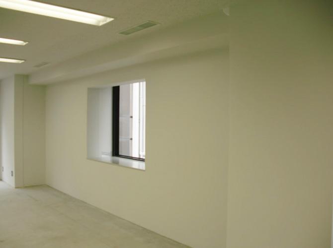 内装塗装・原状回復工事なども承っております。