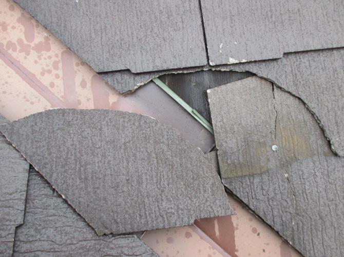 屋根の補修前の劣化状態です。