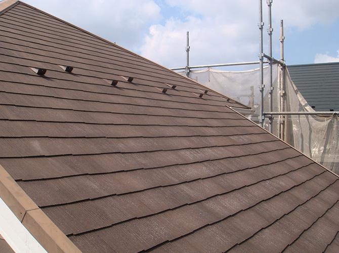 屋根塗装の施工前の状態です。