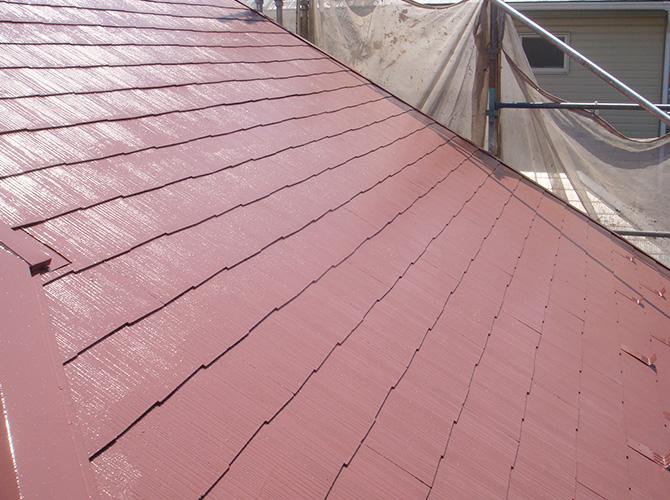 屋根塗装の中塗りの施工完了です。
