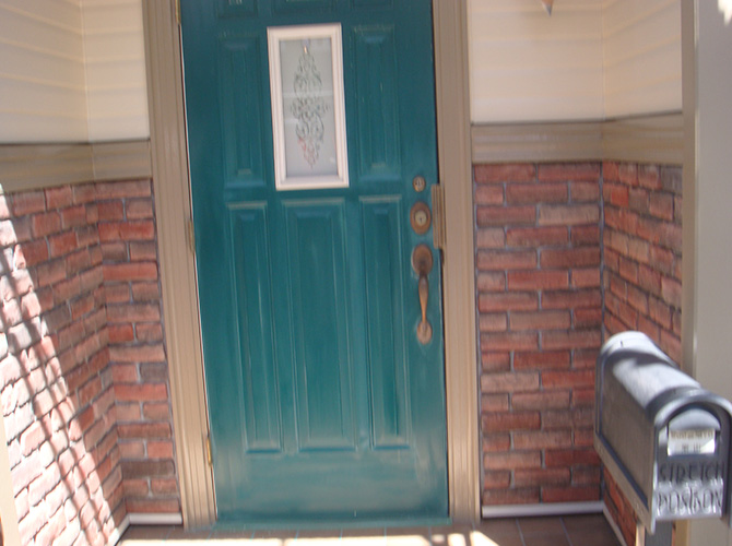 付帯部(玄関ドア)の施工前の状態です。