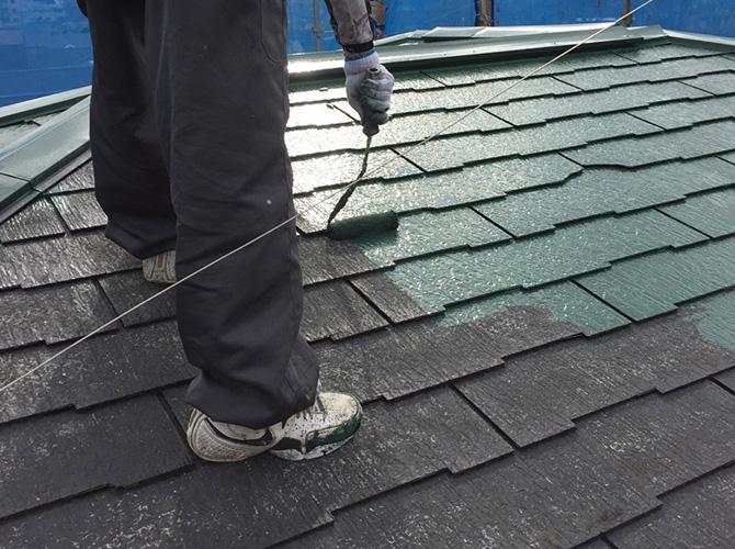 屋根塗装はフッ素系塗料での塗装です。