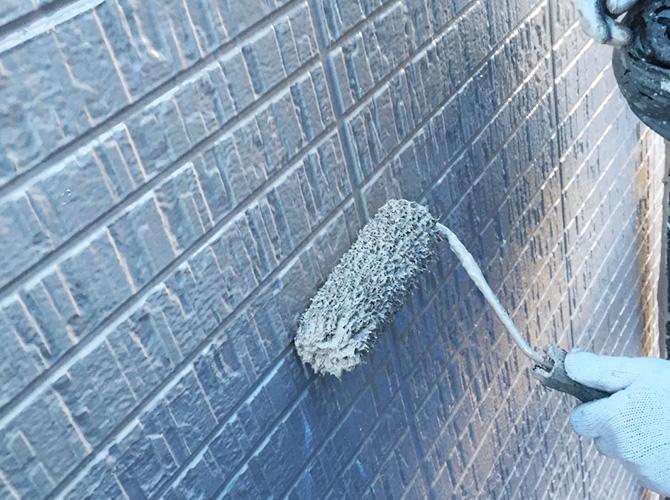 外壁塗装の上塗りはファイン4Fセラミックでの施工です。