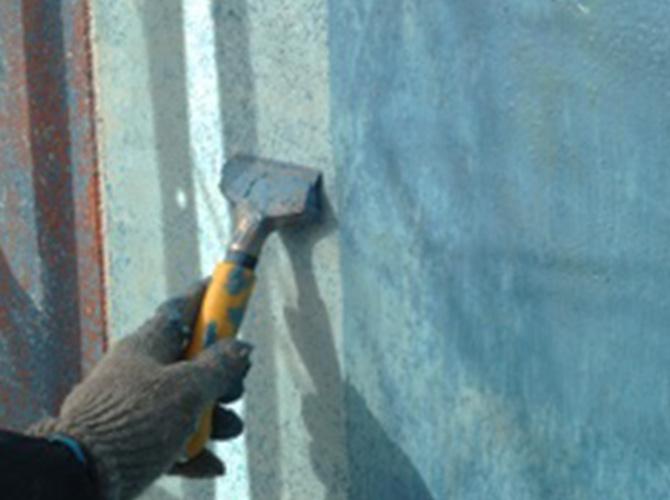 外壁塗装前のケレン作業のようすです。
