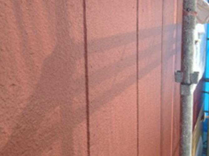 外壁塗装の上塗り施工後のようすです。