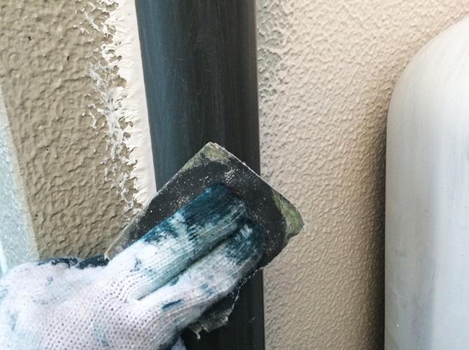 塗装前のケレン作業中のようすです。