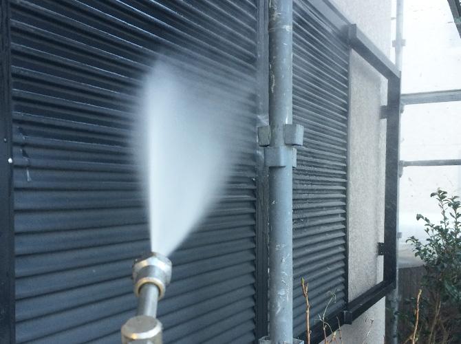 外壁以外の付帯部もしっかりと洗浄します。