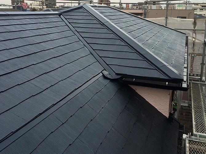 屋根塗装はサーモアイSiという遮熱塗料です。