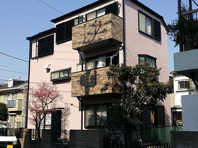 屋根塗装の上塗り施工完了後です。