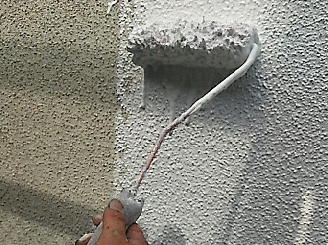 砂骨2回目サーフ下塗り施工中です。