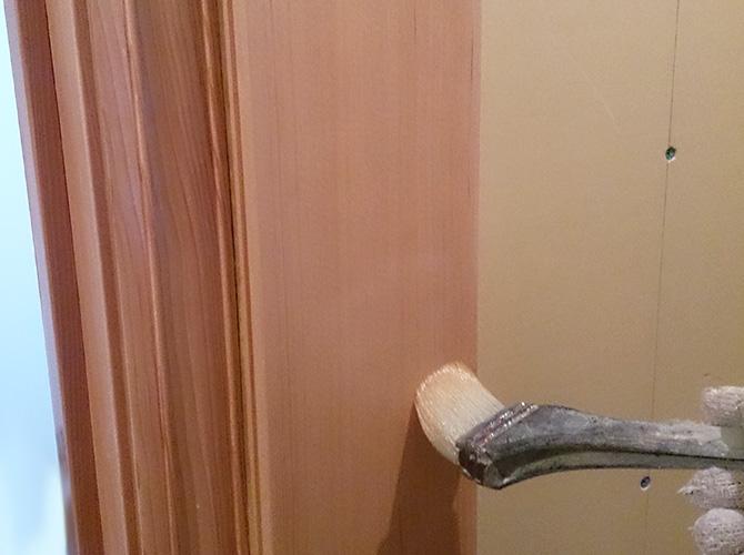室内ドア周りの木部塗装