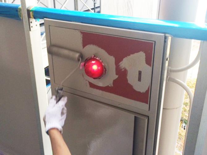 屋内消火栓BOXの上塗り塗装