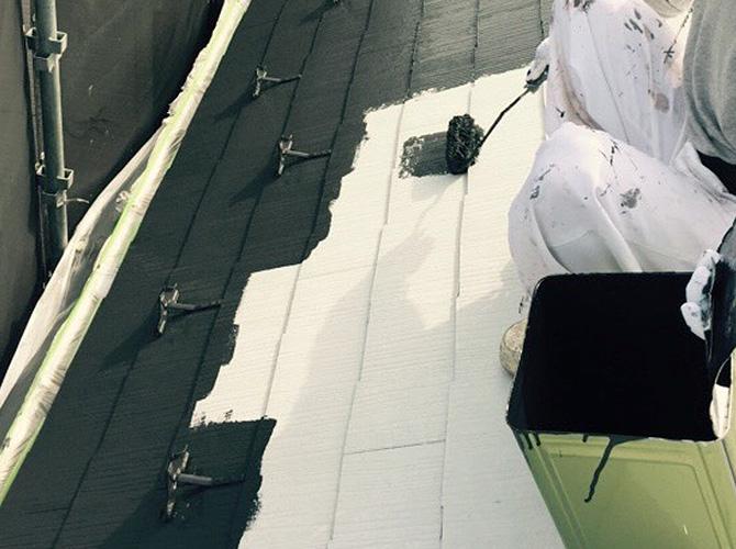 屋根塗装の中塗り塗装