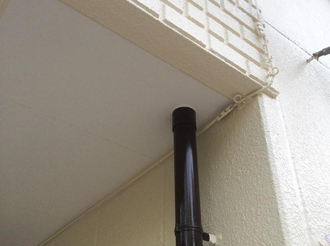 外壁・雨樋・軒天などの塗装完了後です。