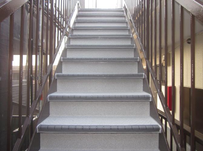 階段補修工事の施工後