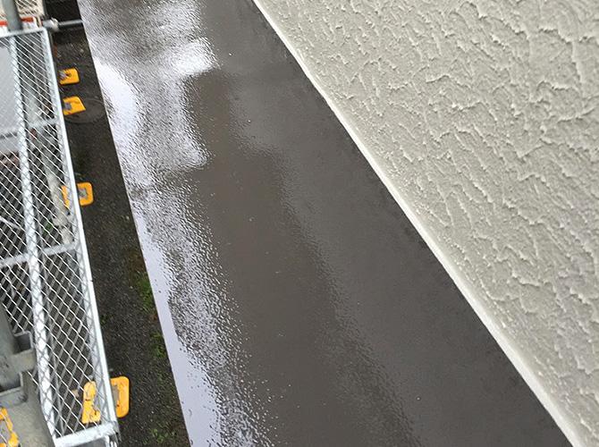 霧除け庇の塗装完了後