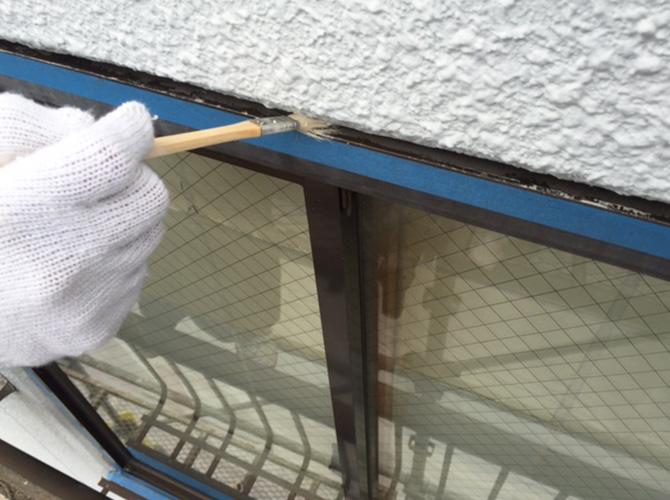 シール工事のプライマー塗布