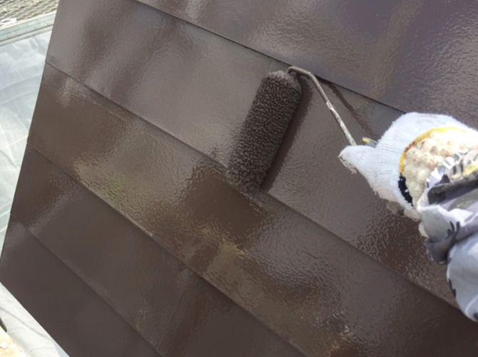 斜壁塗装の上塗り