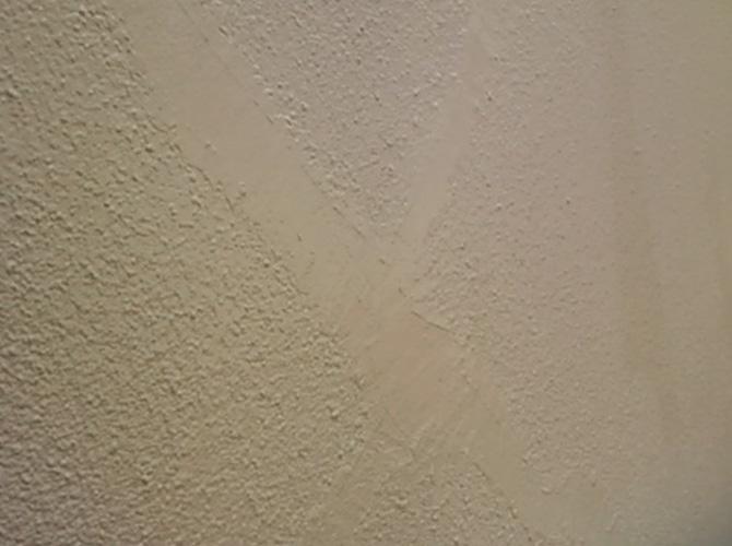 下塗り・中塗り・上塗りの3回塗りの塗装が基本です。