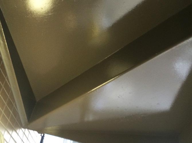 鉄骨階段の塗装の施工後のようすです。