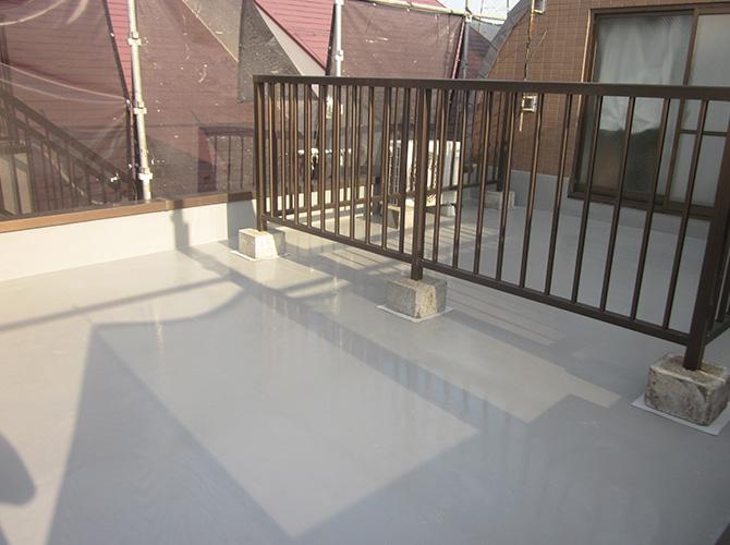 屋上の防水工事の施工完了後です。