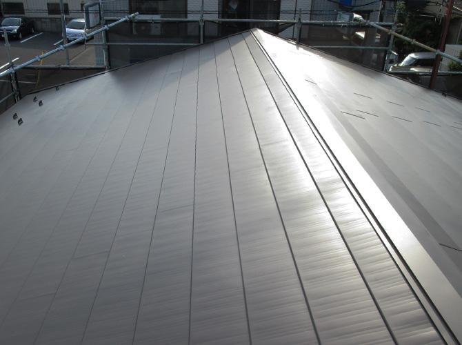 屋根葺き替え工事の施工完了後です。