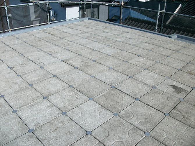 屋上防水工事の施工完了後のようすです。