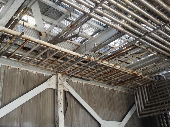 金属工事の施工前の状態です。