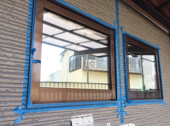 窓廻りのシール補修施工前のようすです。