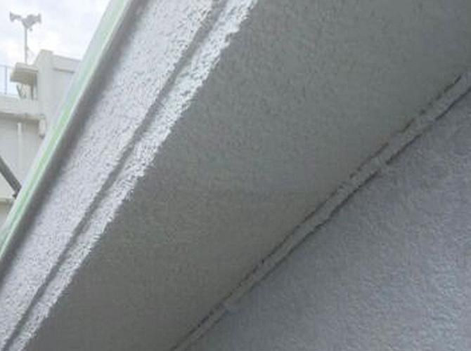 軒天井の塗り替え後のようすです。