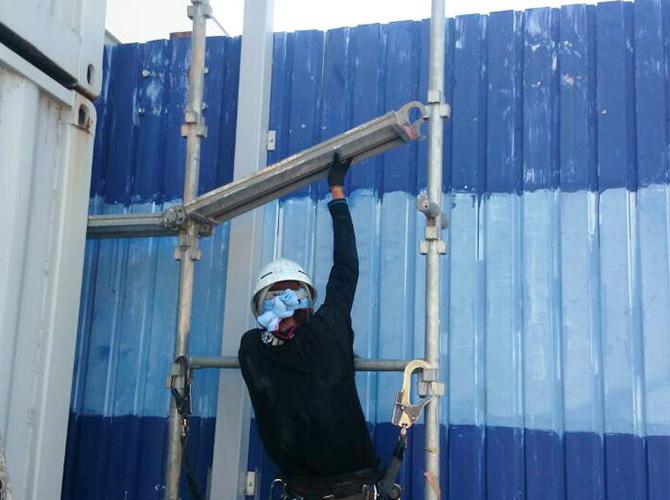 埼玉県越谷市コンテナの塗装工事の施工前