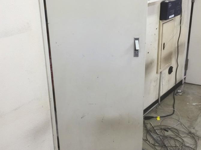 MB扉の塗装前