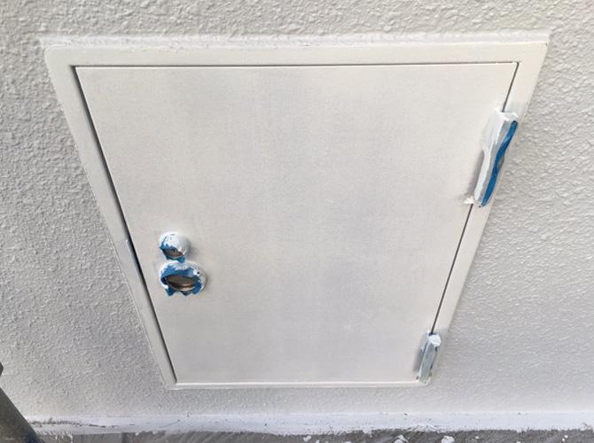 鉄部はしっかりとサビ止め塗装を施工します。