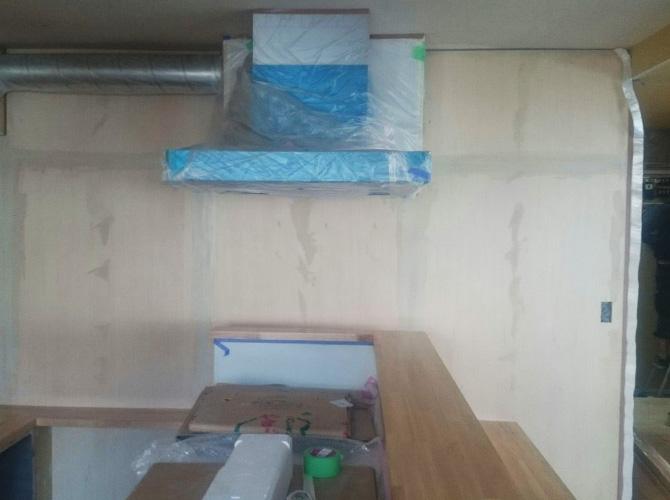 内装工事の下地施工後のようすです。