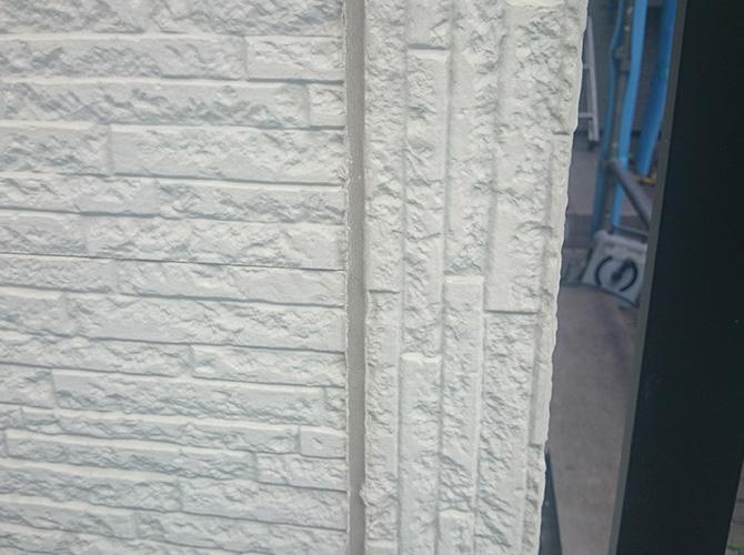 外壁目地のシーリング工事の施工前です。