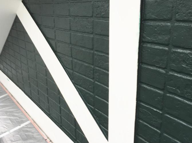 帯板の中塗り施工完了後のようすです。