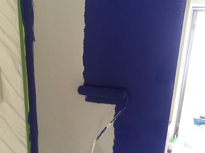 内装の上塗り施工中のようすです。