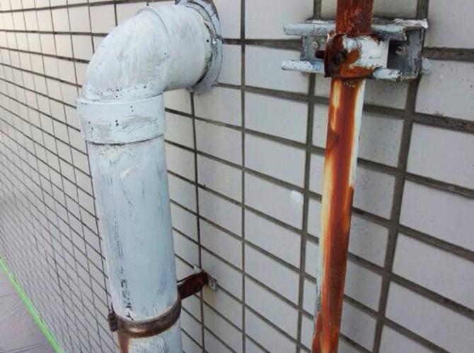 雨樋の塗り替え前のようすです。
