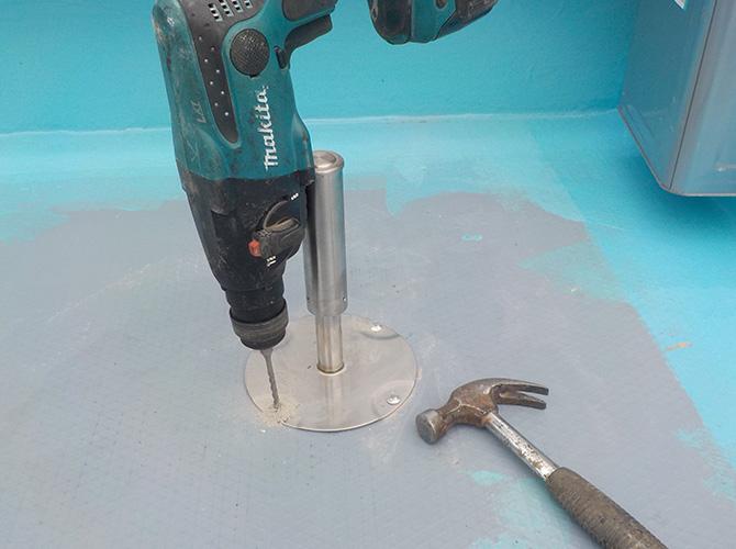 脱気筒を設置し内部の水蒸気を放散させます。