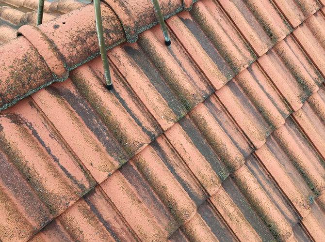 屋根の施工前の状態です。