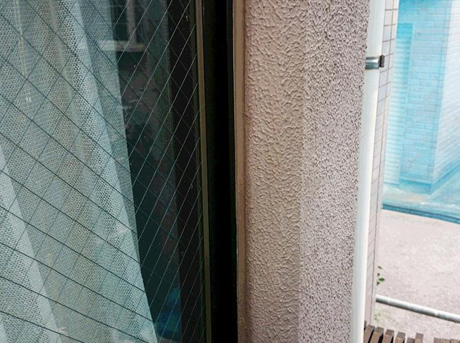 外壁のゴム部分の補修はお任せ下さい。