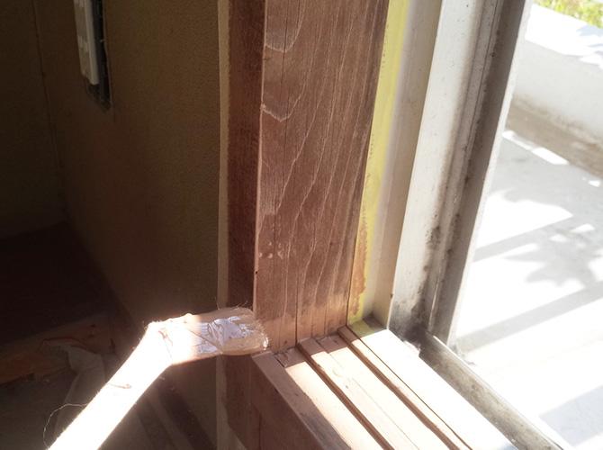 住宅の木部もしっかりと塗装します。