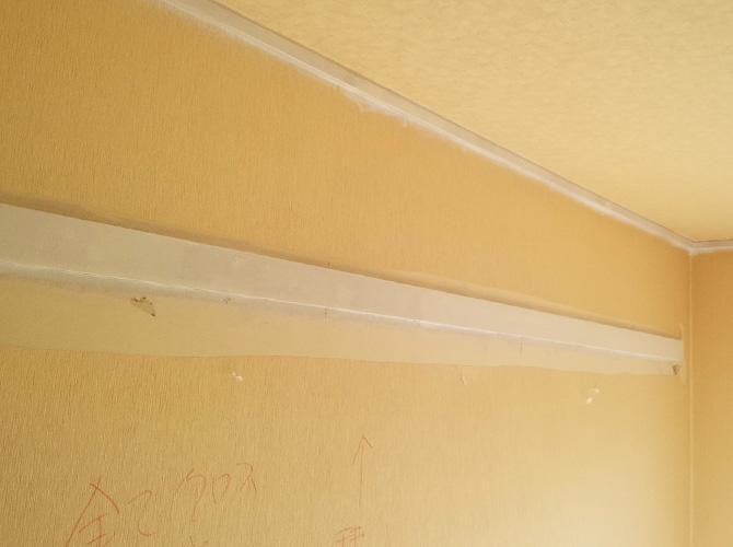 内装塗装と合わせてクロスの張り替えも承ります。