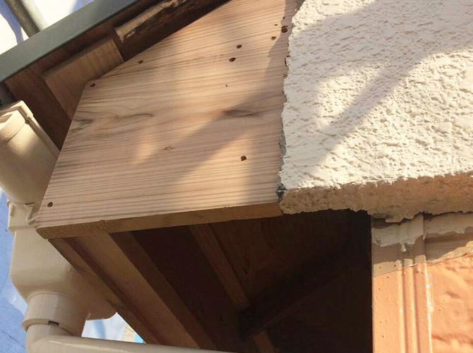 雨樋と合わせて破風の補修も可能です。