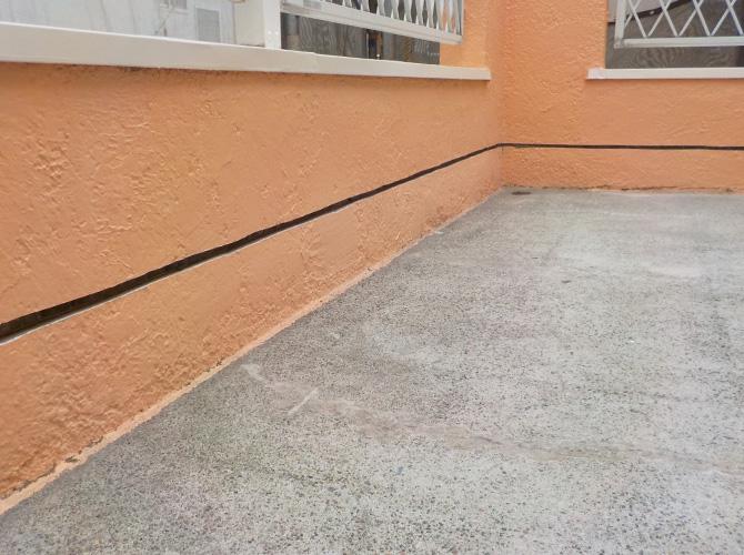 防水層の立ち上がりを作っていきます。